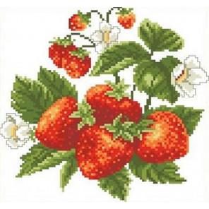 Клубничка Канва с рисунком для вышивки Каролинка