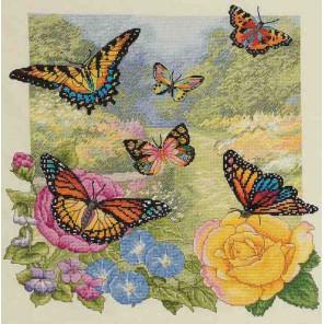 Бабочки в саду Набор для вышивания Bucilla