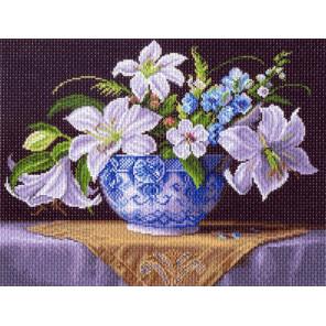 Белые лилии Канва с рисунком для вышивки Матренин посад