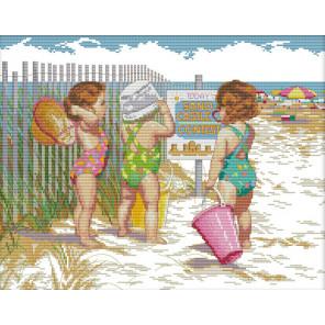 Малыши на пляже Набор для вышивания R469