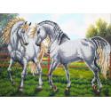 Пара белых лошадей Набор для частичной вышивки бисером Паутинка