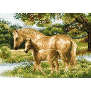 Лошадь с жеребёнком Набор для вышивания Риолис 1258
