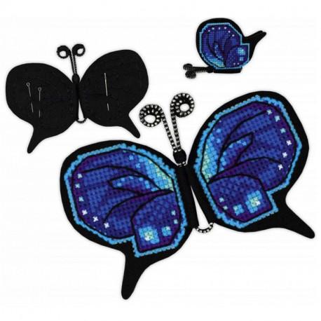 2_2 Бабочка Набор для вышивания игольницы с магнитом Риолис