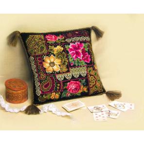 Цветочная композиция Набор для вышивания подушки Риолис 761
