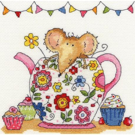 Мышка в чайнике Набор для вышивания Bothy Threads XSW6