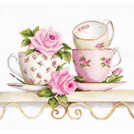 Чайные чашки с розами Набор для вышивания Luca-S BA2327