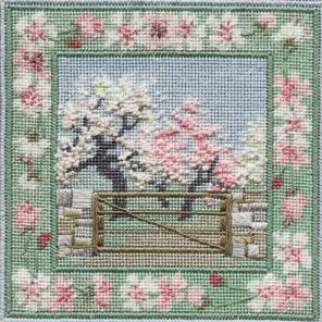 Spring Orchard Набор для вышивания Derwentwater Designs IM301