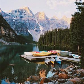 Пристань в горах Раскраска картина по номерам на холсте KH0372