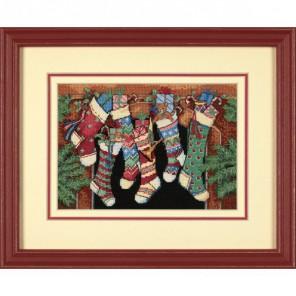Новогодние сапожки с подарками, счетный крест