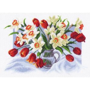 Весенние цветы Канва с рисунком для вышивки Матренин посад