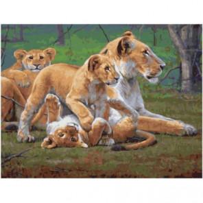 Львица с игривым потомством Раскраска картина по номерам на холсте