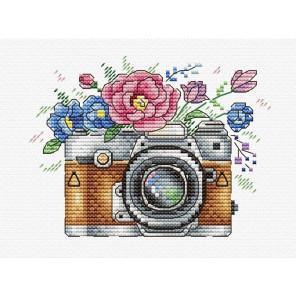 Цветочный кадр Набор для вышивания МП Студия В-255