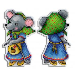 Мышка-норушка Набор для вышивания на пластиковой канве МП Студия Р-473