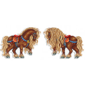Богатырский конь Набор для вышивания на пластиковой канве МП Студия Р-484