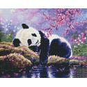 Панда на отдыхе Алмазная мозаика вышивка на подрамнике GF4377