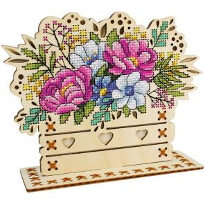 Цветочная композиция Набор для вышивания на деревянной основе МП Студия О-018