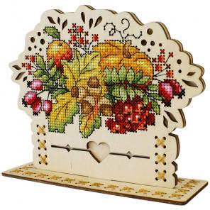 Осенний букет Набор для вышивания на деревянной основе МП Студия О-019