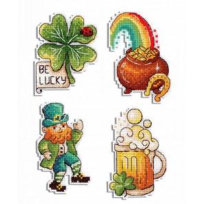 Набор День Святого Патрика. Магниты Набор для вышивания на пластиковой канве МП-Студия Р-577