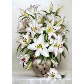 Белые лилии Ткань для вышивки лентами Каролинка КЛ-3056