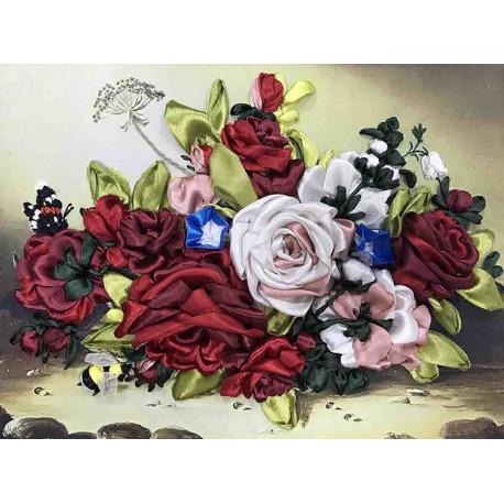 Шмель на розах Набор для вышивания лентами Многоцветница МЛ(Н)-3008