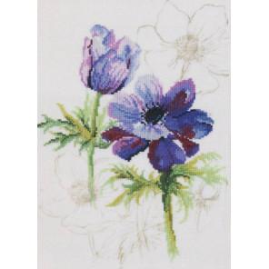 Blue anemones Набор для вышивания LANARTE PN-0008028