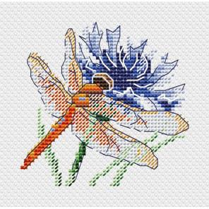 Стрекоза и василек Набор для вышивания крестом МП-Студия М-619