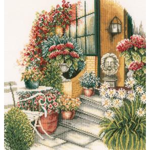 Terrace In Autumn Bloom Набор для вышивания LanArte PN-0008016