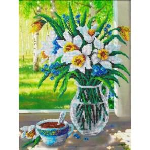 Весенний букет Набор для частичной вышивки бисером Паутинка