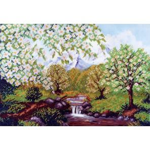 Яблоневая весна Набор для частичной вышивки бисером Паутинка