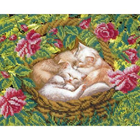 Котята в лукошке Набор для частичной вышивки бисером Русская искусница