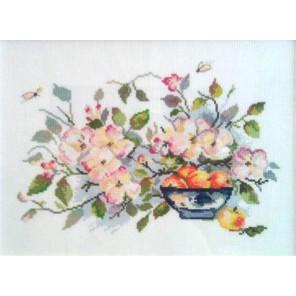Яблоневый цвет Набор для вышивания Алиса