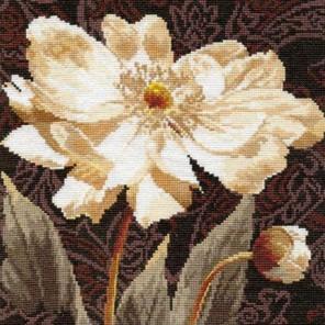 Белые цветы. В объятьях света Набор для вышивания Алиса
