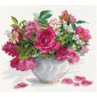 Цветущий сад: Розы и ромашки Набор для вышивания Алиса