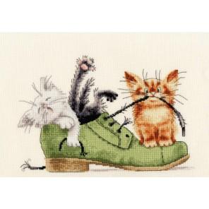 Котята в ботинке Юлии Корякиной Набор для вышивания Золотое Руно