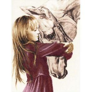 Девочка с лошадью Набор для вышивания Золотое Руно