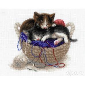 Котята в корзине Набор для вышивания Риолис