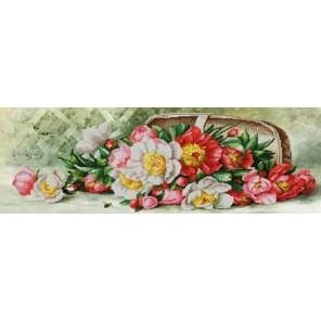 Пример оформления в рамке Разноцветные пионы Канва с рисунком для вышивки бисером Конек 9865