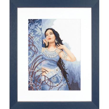 Beauty in Blue Набор для вышивания LanArte PN-0008278