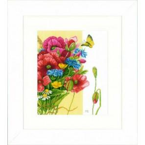 Poppies Набор для вышивания LanArte PN-0144568