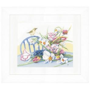 Daffodils On Table Набор для вышивания LanArte PN-0147501