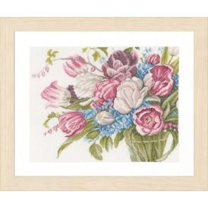 Pretty bouquet of flowers Набор для вышивания LanArte PN-0158327
