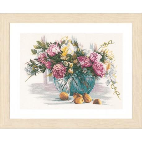 Flowers Набор для вышивания LanArte PN-0162299