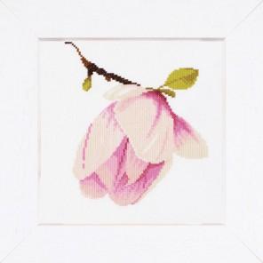 Magnolia Bud Набор для вышивания LanArte PN-0008161