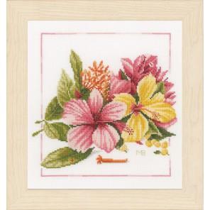 Amaryllis bouquet Набор для вышивания LanArte PN-0157495