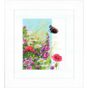 Wild flowers Набор для вышивания LanArte PN-0144525