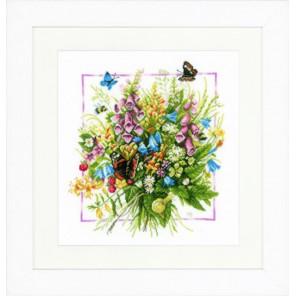 Summer bouquet Набор для вышивания LanArte PN-0144527