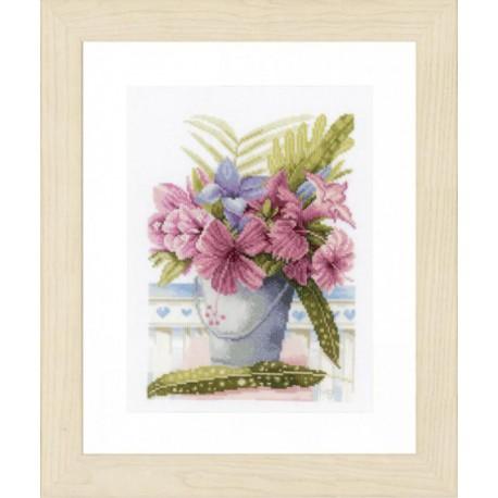 Flowers in Bucket Набор для вышивания LanArte PN-0154326