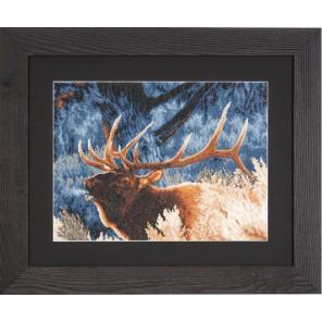 Red Deer at Dawn Набор для вышивания LanArte PN-0021833