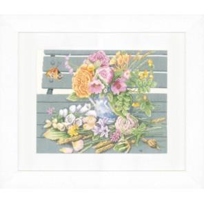Flowers on bench Набор для вышивания LanArte PN-0146981