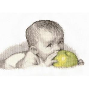 Пример оформления в рамке Малыш с яблоком Набор для вышивания Овен 511